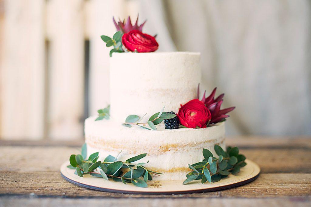 Alegeti singuri tortul de nunta!