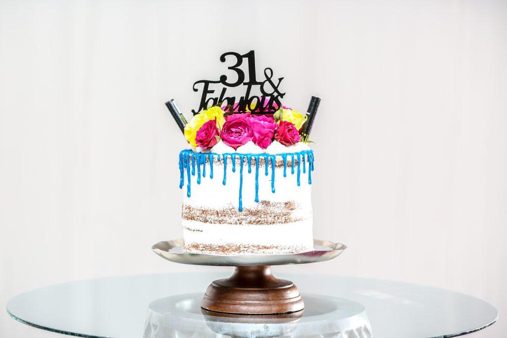 mesaje amuzante pentru tortul aniversar